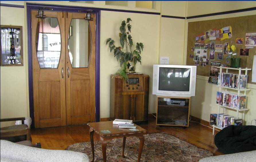 Empire Hotel Backpackers, Oamaru, New Zealand, book budget vacations here in Oamaru