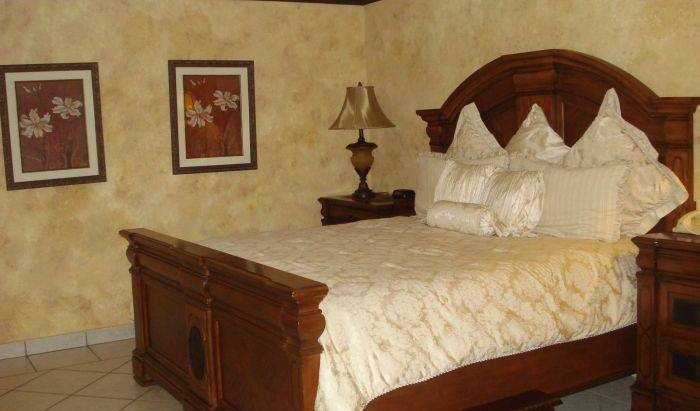 Seminole Plaza Hotel - Search for free rooms and guaranteed low rates in Managua 12 photos