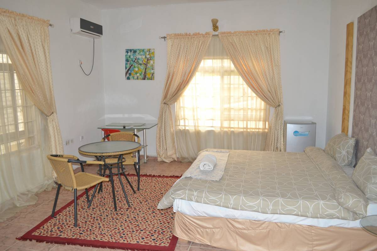 Black, Abuja, Nigeria, Nigeria hostels and hotels