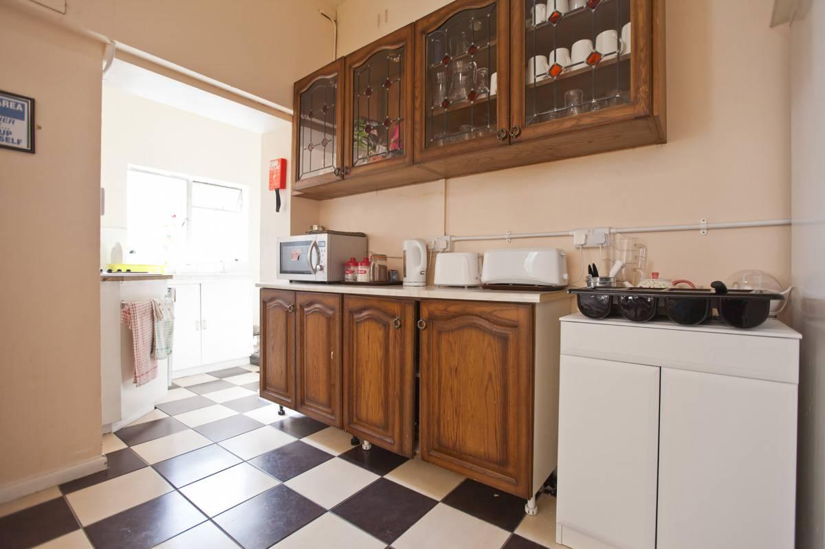 Hostel Connect, Derry, Northern Ireland, bed & breakfast comparisons in Derry