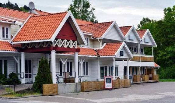 Hovag Hotell - Search for free rooms and guaranteed low rates in Kristiansand, backpacker hostel 4 photos
