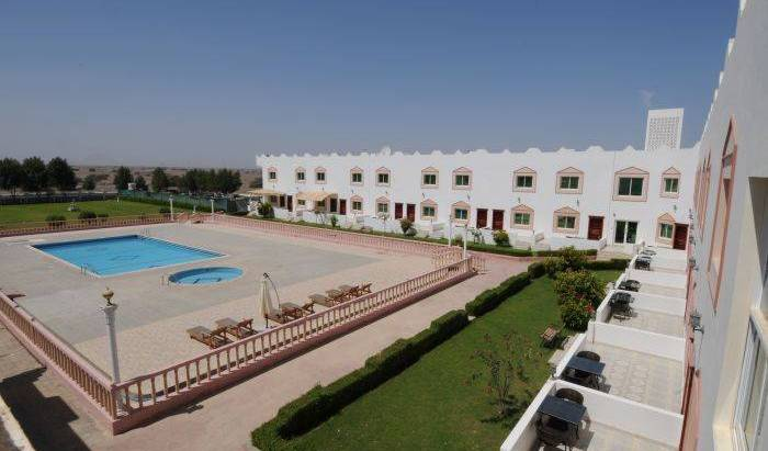 Green Oasis Hotel - Get cheap hostel rates and check availability in Suhar 13 photos
