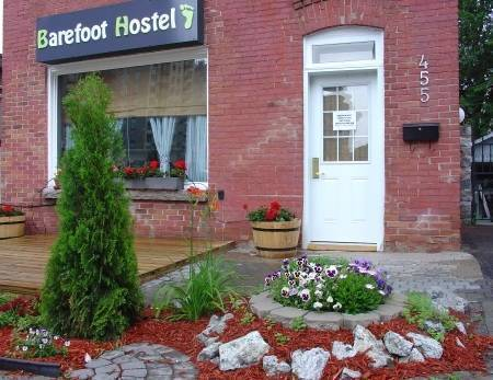 Barefoot Hostel, Ottawa, Ontario, Ontario hostels and hotels