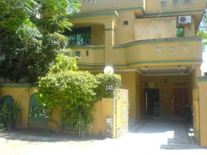Paramid II Guest House, Islamabad, Pakistan, compare with the world's largest hostel sites in Islamabad