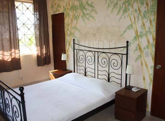 Balboa Inn Bed and Breakfast, Balboa, Panama, bed & breakfasts worldwide - online bed & breakfast bookings, ratings and reviews in Balboa