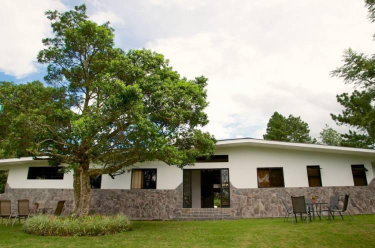 Hotel Refugio de Montana, Bajo Boquete, Panama, where to stay and live in a city in Bajo Boquete