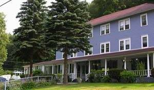 The Inn At Starlight Lake, live like a local while staying at a hostel 4 photos
