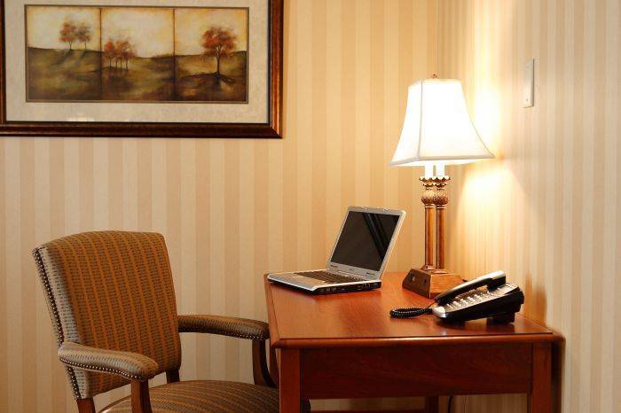Hotel Brunswick, Lancaster, Pennsylvania, how to choose a booking site, compare guarantees and prices in Lancaster