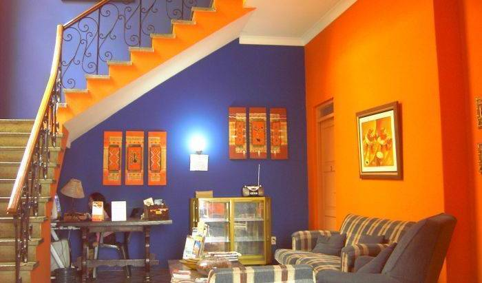 Barranco's Backpackers Inn, cheap hostels 10 photos