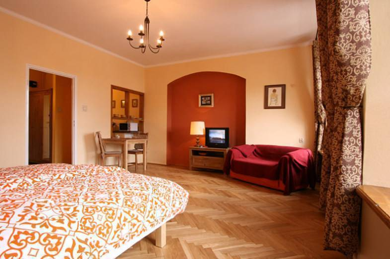 Cracow Apartment, Krakow, Poland, highly recommended travel bed & breakfasts in Krakow