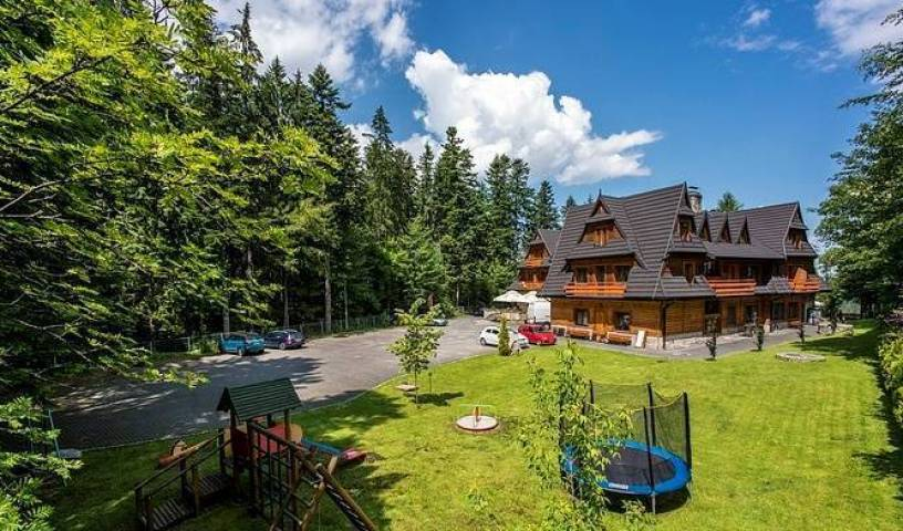 Hotel Dwor Karolowka - Search for free rooms and guaranteed low rates in Zakopane 2 photos