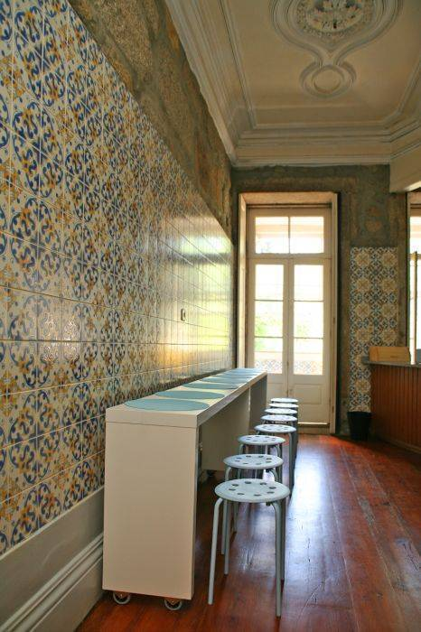 Alma Porto Hostel, Porto, Portugal, passport to savings on travel and hostel bookings in Porto