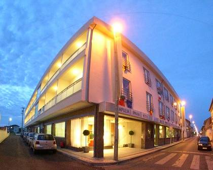 Apulia Praia Hotel, Esposende, Portugal, what is a backpackers hotel? Ask us and book now in Esposende