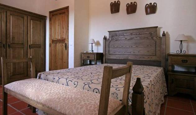 Herdade Dos Barros -  Alandroal, bed and breakfast bookings 7 photos