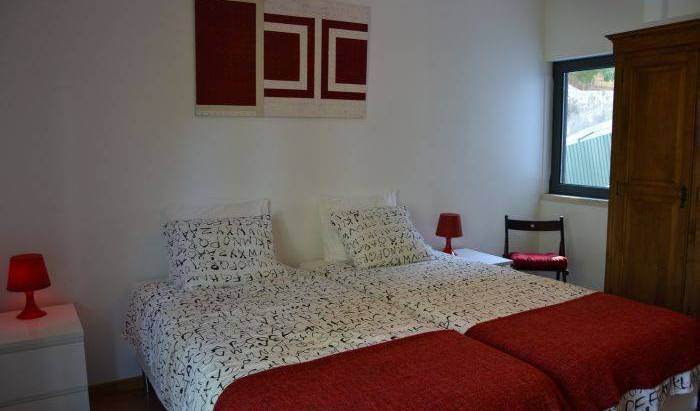 Live in Oeiras Guesthouse - Get cheap hostel rates and check availability in Oeiras, youth hostel 17 photos