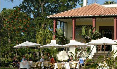Quinta Jardins Do Lago - Search available rooms and beds for hostel and hotel reservations in Funchal 2 photos