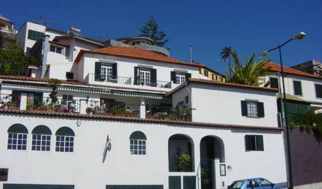Guest House Vila Teresinha - Get cheap hostel rates and check availability in Funchal 15 photos