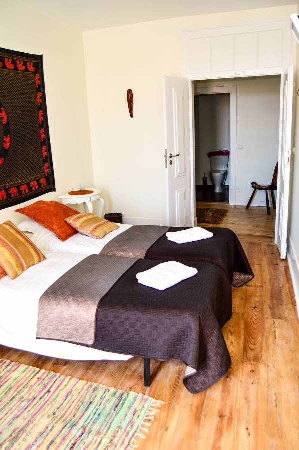 Happy At Chiado, Chiado, Portugal, bed & breakfasts for vacationing in winter in Chiado