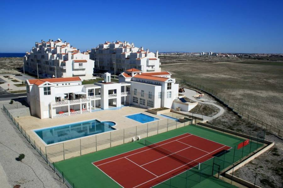 Surfer's Bay, Peniche, Portugal, Portugal hostels and hotels