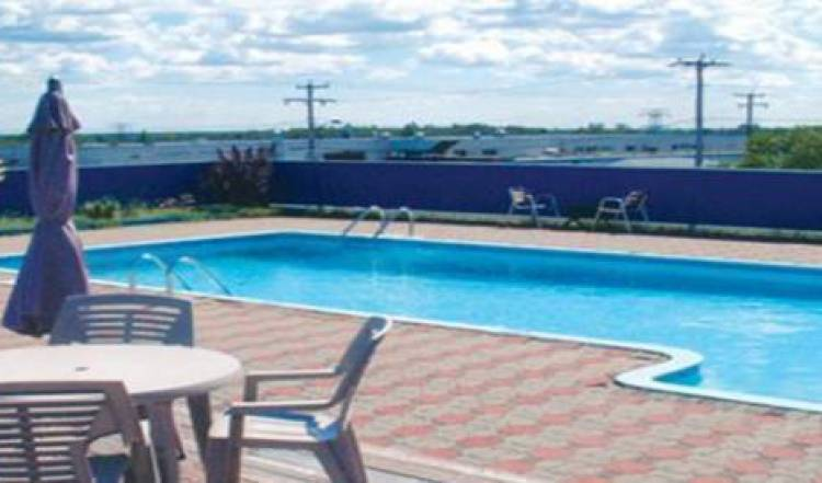 Auberge La Rocaille - Get cheap hostel rates and check availability in Shawinigan, youth hostel 3 photos