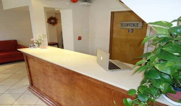 Bon Accueil Hotel - Get cheap hostel rates and check availability in Montreal 10 photos