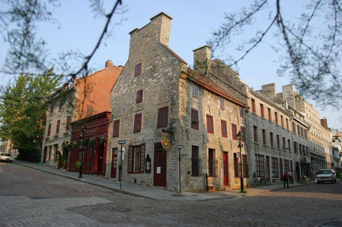 Hotel Pierre Du Calvet, Montreal, Quebec, Quebec hostels and hotels