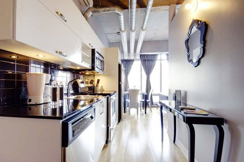 Lavender, Montreal, Quebec, hostels near vineyards and wine destinations in Montreal