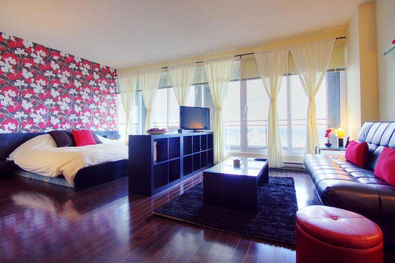 Red Star, Montreal, Quebec, what is a bed & breakfast? Ask us and book now in Montreal