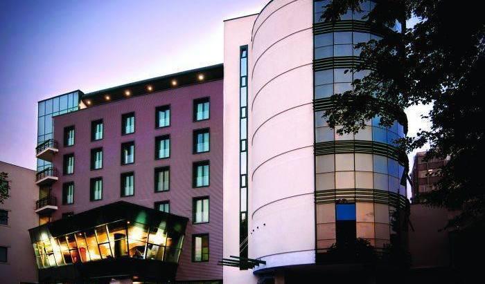 City Plaza Hotel 15 photos