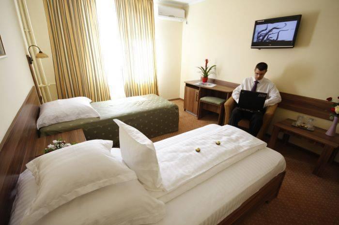 Lyra Hotel, Oradea, Romania, Melhores viagens e viagens dentro Oradea