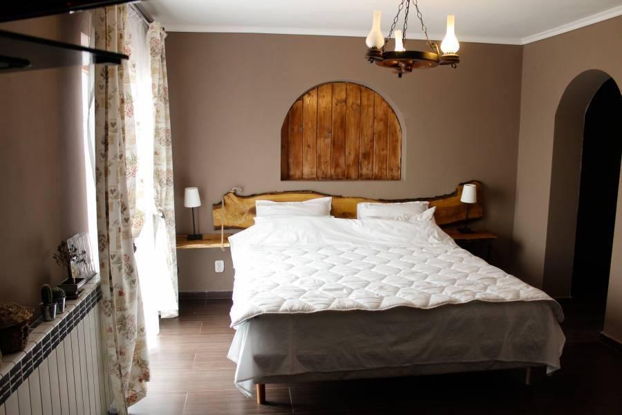 Pensiunea Taverna Bucium, Iasi, Romania, Romania hostels and hotels