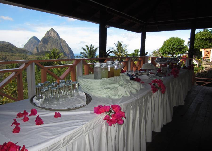 La Haut Plantation, Soufriere, Saint Lucia, youth hostels and backpackers for mingling with locals in Soufriere