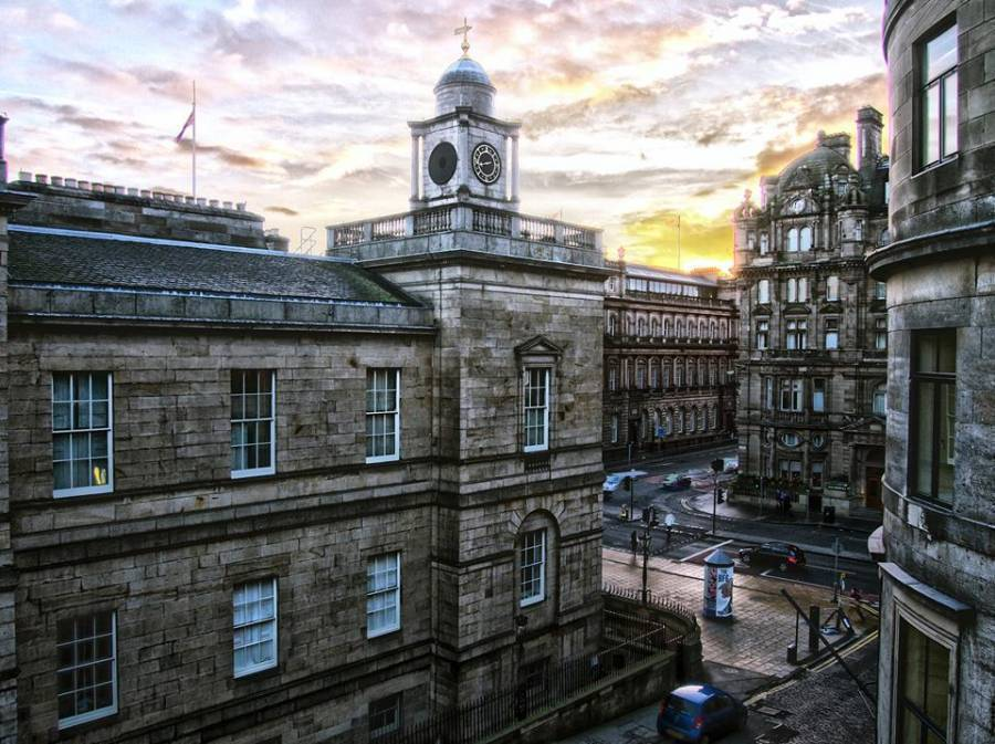 Haggis Hostels, Edinburgh, Scotland, top 5 places to visit and stay in bed & breakfasts in Edinburgh