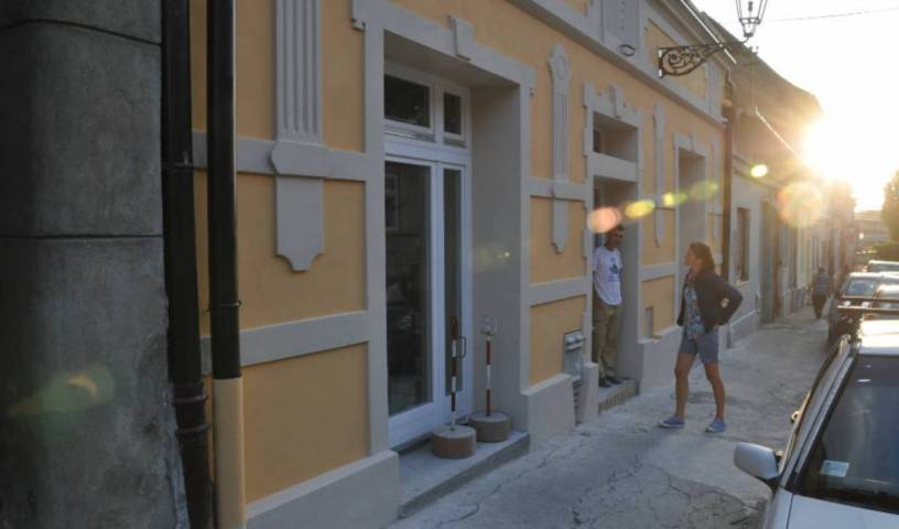 Varad Inn Hostel and Cafe - Search for free rooms and guaranteed low rates in Novi Sad 12 photos