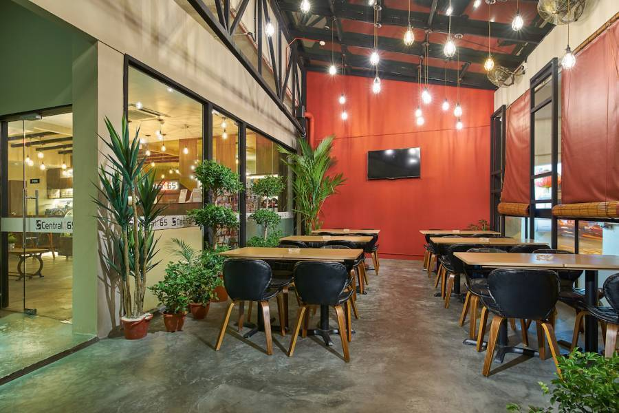 Central 65 Hostel and Cafe, Kampong Bugis, Singapore, lowest prices and hostel reviews in Kampong Bugis