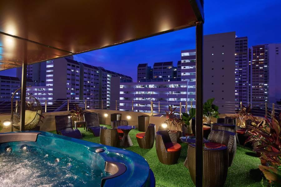Central 65 Hostel and Cafe, Kampong Bugis, Singapore, Singapore ký túc xá và khách sạn