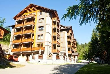Fatrapark 2 Apartments House, Ruzomberok, Slovakia, 预订热带度假和旅馆 在 Ruzomberok