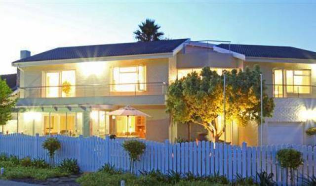 Bayhouse - Get cheap hostel rates and check availability in Knysna 28 photos