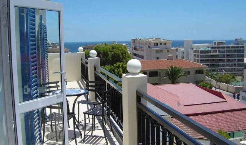 Fresnaye House - Search for free rooms and guaranteed low rates in Cape Town 8 photos