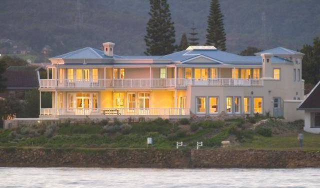 Isola Bella - Search available rooms and beds for hostel and hotel reservations in Knysna 9 photos