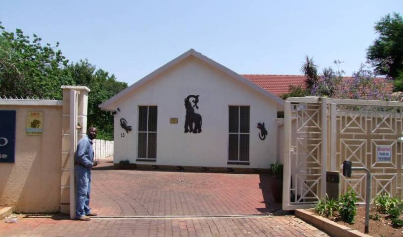 Kempton Park Country Lodge - Get cheap hostel rates and check availability in Kempton Park 15 photos