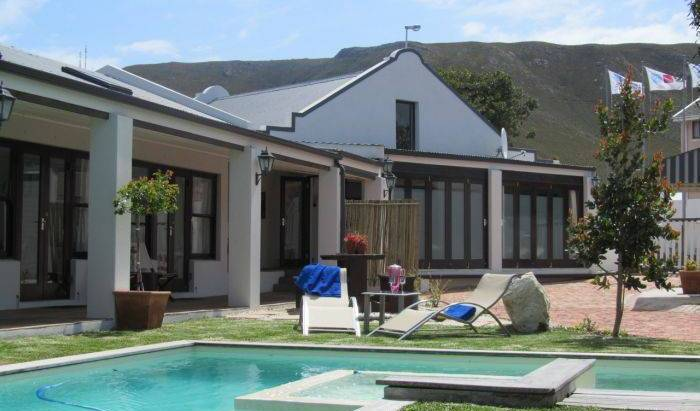 Sixteen Guest Lodge On Main - Search for free rooms and guaranteed low rates in Hermanus 16 photos