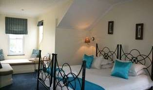 Wayside Inn - Search available rooms and beds for hostel and hotel reservations in Knysna 8 photos