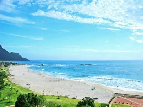 Immaculate Two Bedroom Apartment, Camps Bay, South Africa, best hostels for cuisine in Camps Bay