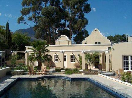 Somerset Villa Guesthouse, Somerset West, South Africa, South Africa 침대와 아침 식사와 호텔