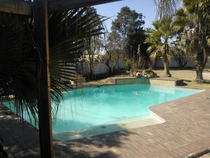 4Ways Backpacker, Johannesburg, South Africa, hostels for vacationing in summer in Johannesburg