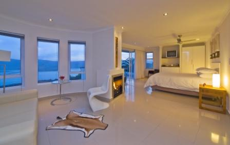 Villa Afrikana Guest Suites, Knysna, South Africa, last minute bookings available at bed & breakfasts in Knysna