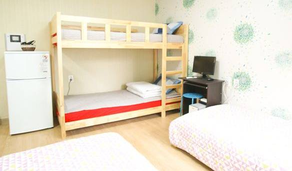 Twin Rabbit Mini Hotel - Search for free rooms and guaranteed low rates in Seoul 9 photos