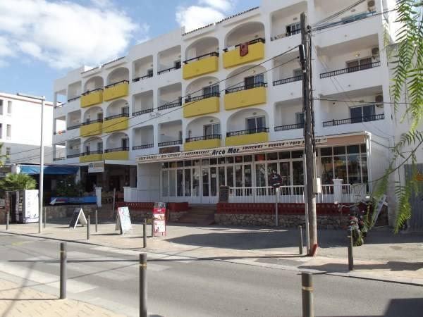 Apartamentos Arcomar, Ibiza, Spain, budget travel in Ibiza