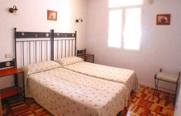 Apartamentos Mayor Centro, Madrid, Spain, youth hostels and backpackers for mingling with locals in Madrid